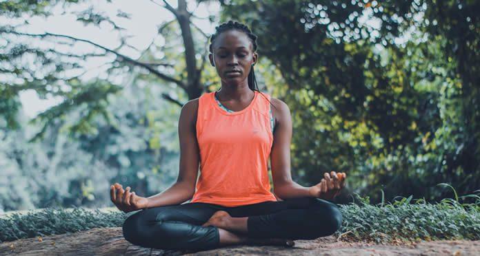 Meditar es una excelente forma de sacar el stress de nuestro cuerpo y mente.