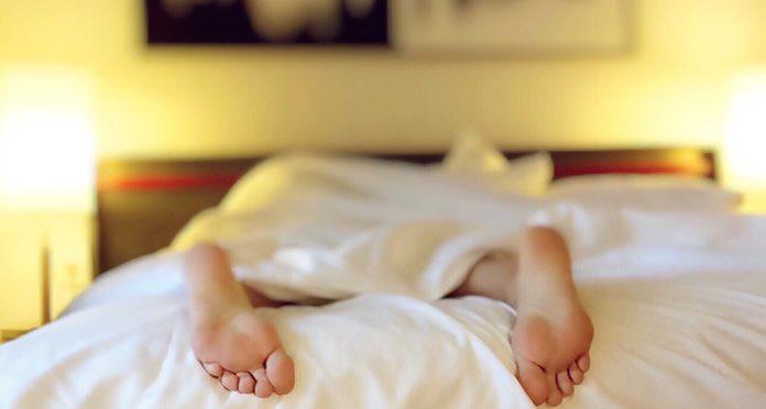 Si te sientes cansada, la primer medida es intentar dormir bien
